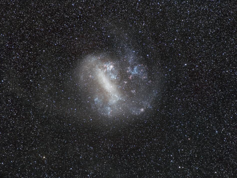 Grand nuage de Magellan au A7s 85mm 1h de pose  MagellanV2A7s85mm1Mp